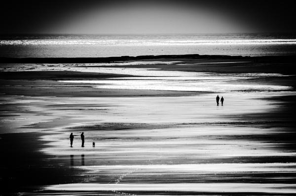 Bamburgh Beach by icphoto