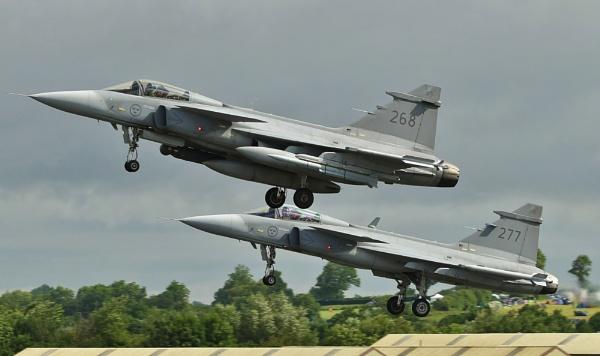 A couple of Saab JAS39C Gripen by nealie