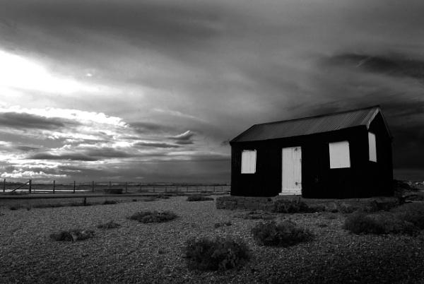 Fisherman\'s Hut, evening light by paultee