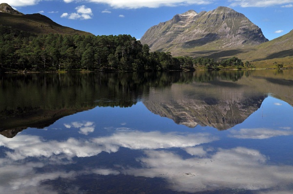 Loch Clair and Liathach by viscostatic