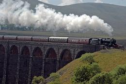 .Ribblehead Viaduct