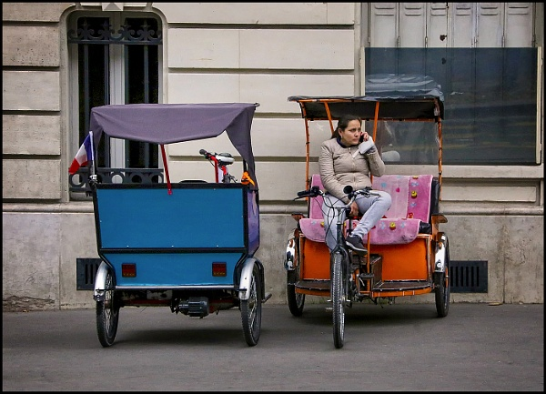 Paris Tuk-tuks by fentiger