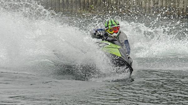 Splash and Dash by Gavin_Duxbury