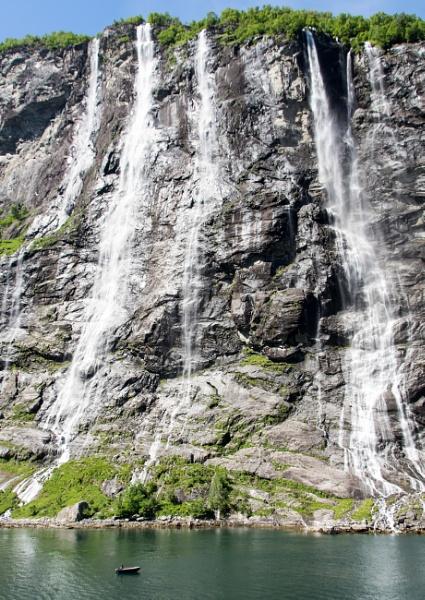Seven Sisters Waterfall - Norway by allan64