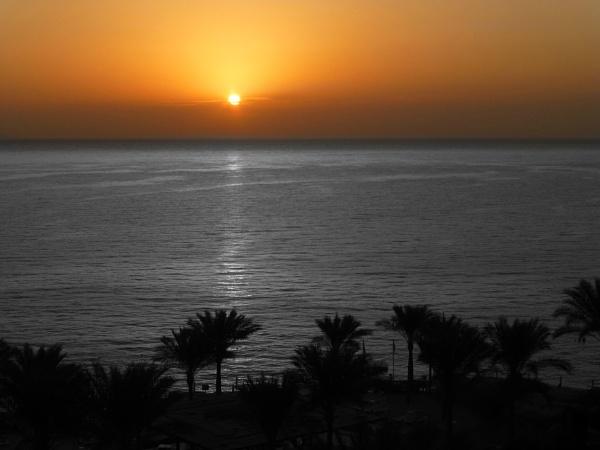Egyptian sun by Gary66