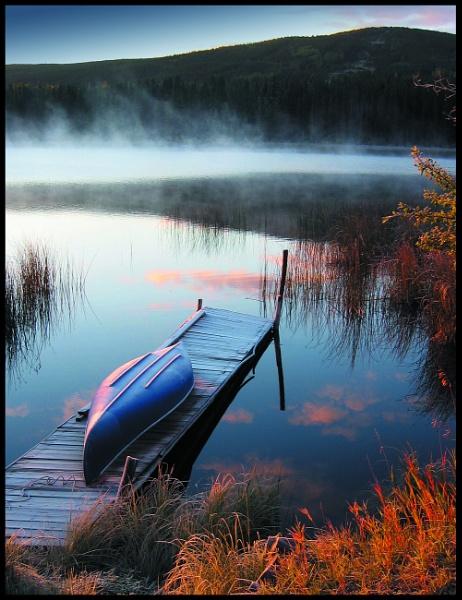 Morning mist by paultee
