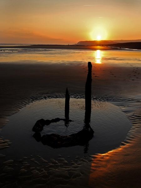 Beach sunset by paultee