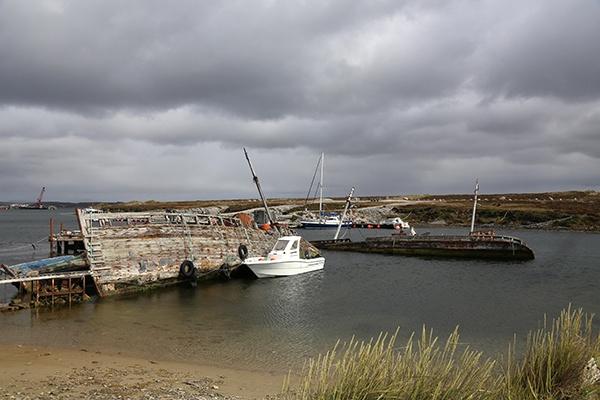 Boat Graveyard by C7