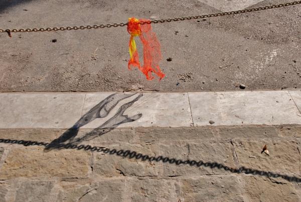 Shadows & colour... by Chinga