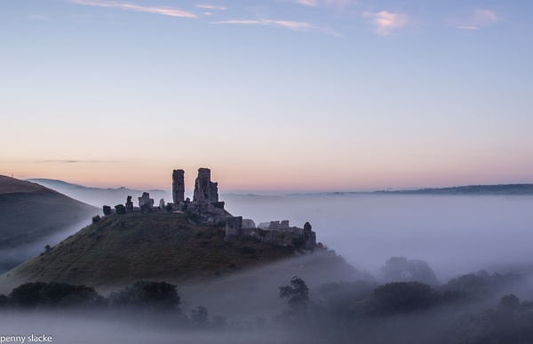 Corfe Castle at dawn by penny_slacke