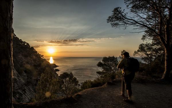 Meeting sunrise by zdumus