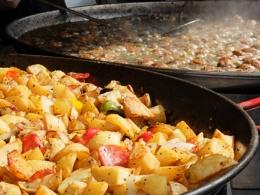 patatas bravas y albondigas