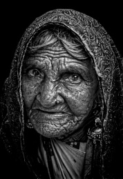 old woman of Pushkar