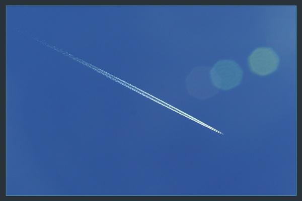Jet Trail by prabhusinha