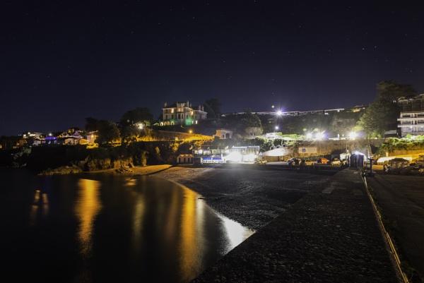 Night Beach by gerryg