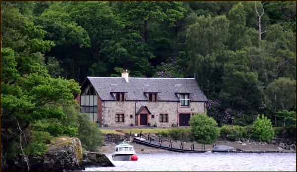 Loch Hideaway. by Moebee