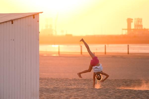 Cartwheel in the Sun - 11 photo\'s by Drummerdelight
