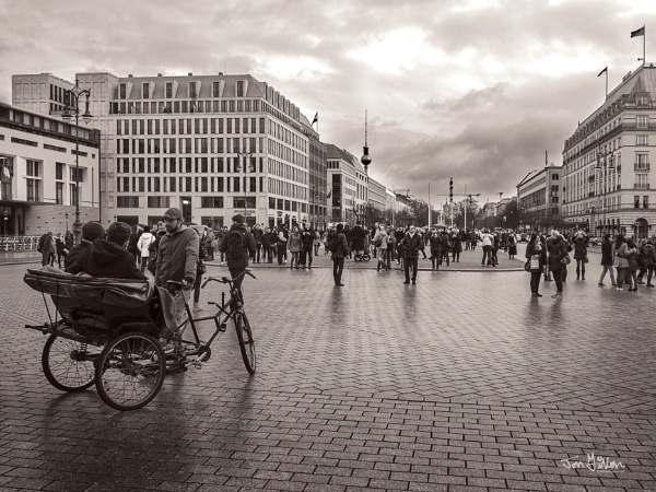 Unter Den Linden by Fitters