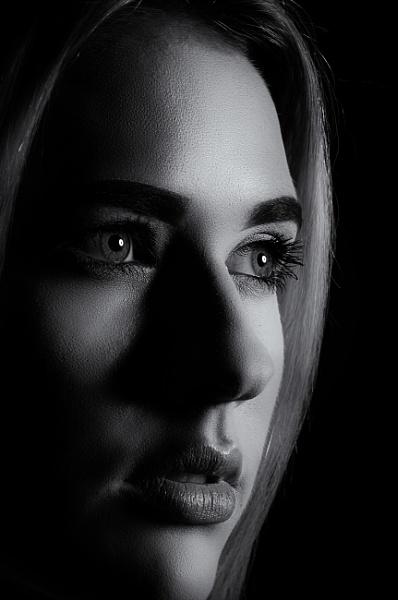 Mono stare by markst33