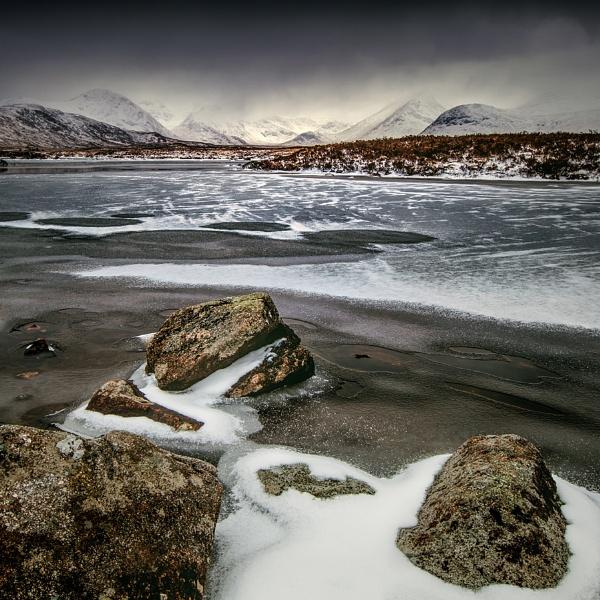 Am Monadh Dubh by Tynnwrlluniau