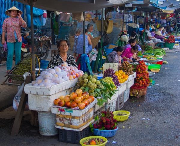 Vietnam Street Market by g0hop