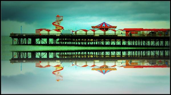 Herne Bay Pier by micksurrey
