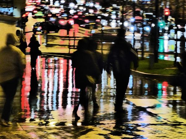 Rainy Rush-Hour by iangilmour