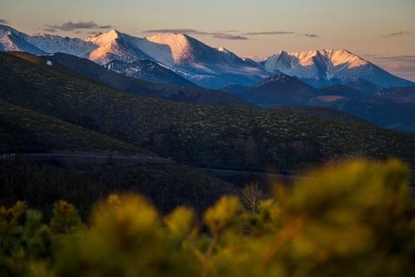 Tas-Kystabyt Range & Kolyma Highway by VikTor72