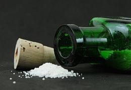 Photo : White powder...