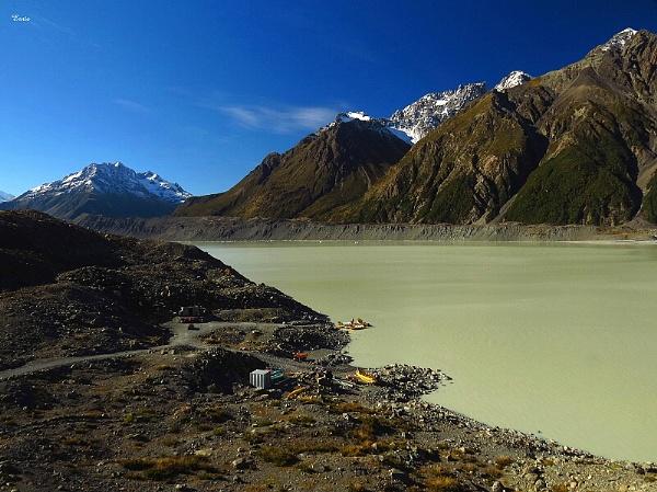 Tasman Glacier Lake 3 by DevilsAdvocate