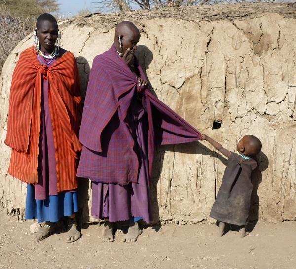 Masai mum keeps her cool ... by chrisdunham