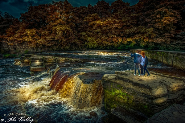 autumn fall by JohnT1974