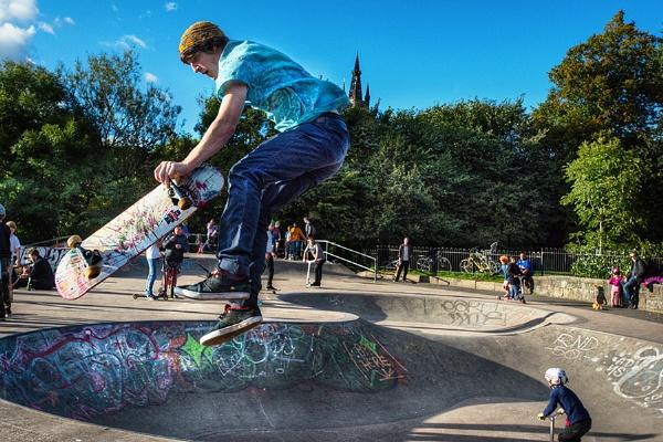 Glasgow Kelvingrove Park by AndrewAlbert