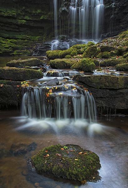 Autumn Falls. by Gavin_Duxbury