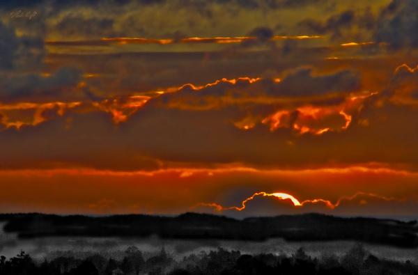 Sunset at Muhunoa East (HDR 1072) by paulknight