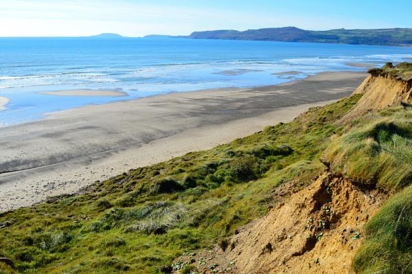 Empty Beach by netta1234