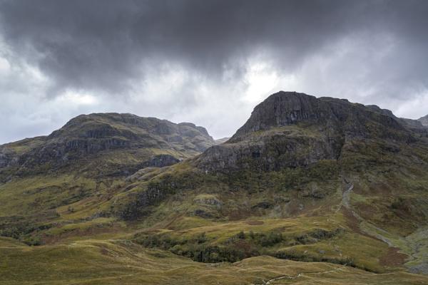 Beinn Fhada & Gearr Aonach... by Scottishlandscapes