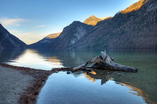 Konig lake by duba