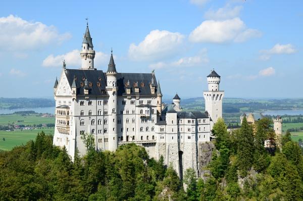 Neuschwanstein Castle by avon