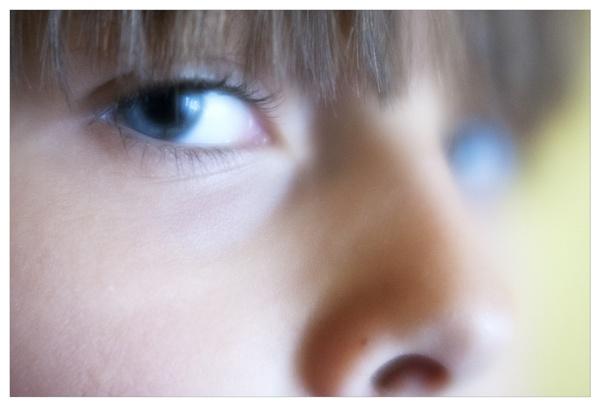 Portrait of L. (Close up) by bliba