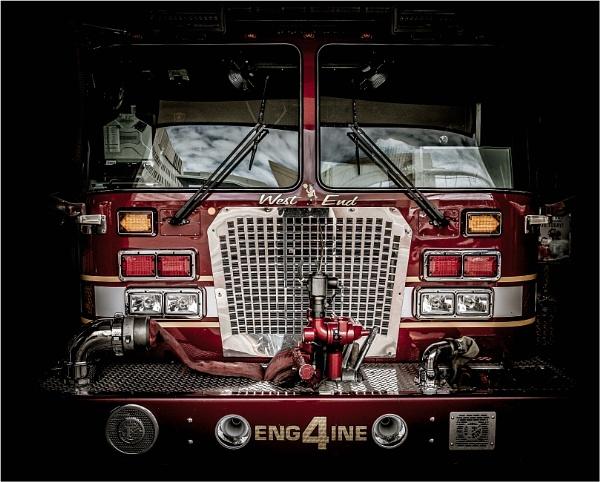 Engine No 4 by KingBee
