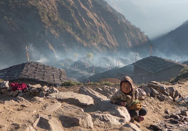 Tamang child by PaulHolloway