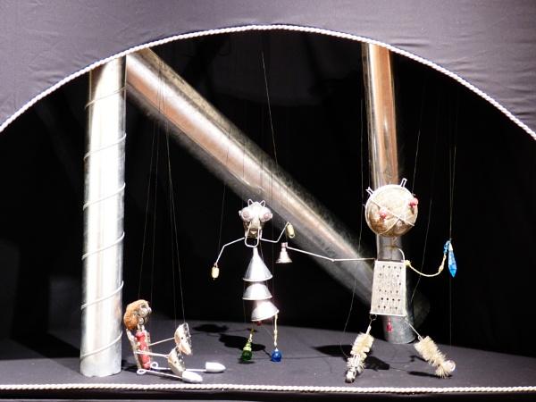 Puppet Show by emit1