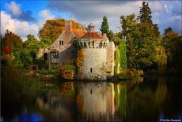 Autumn has arrived at Scotney castle