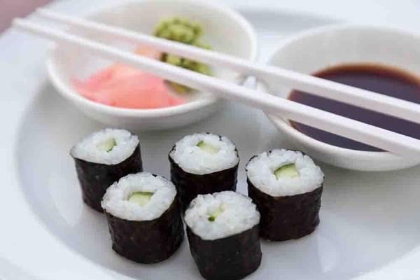 Sushi Hoso Maki by wsfeph