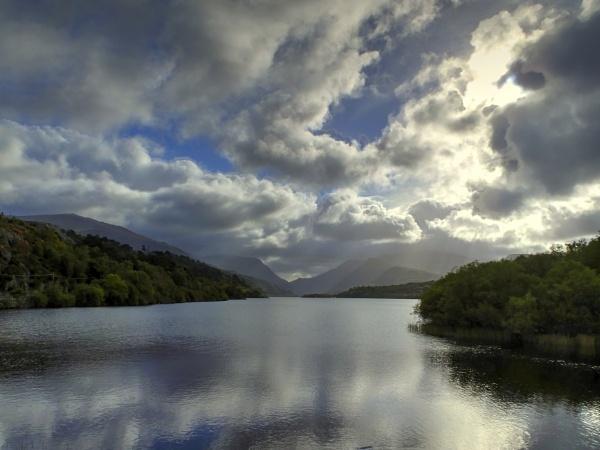 Llyn Padarn by ianmoorcroft