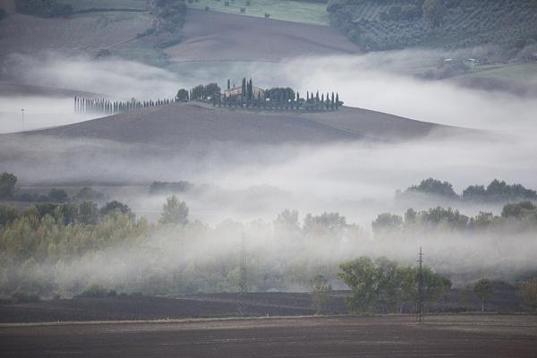 Fog creeping by rontear