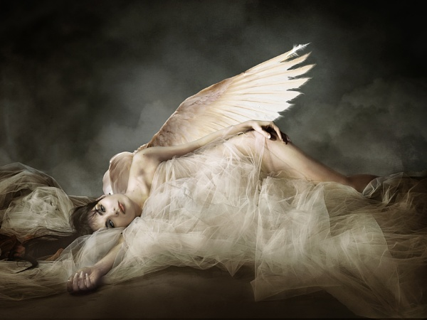 Fallen Angel by patri21