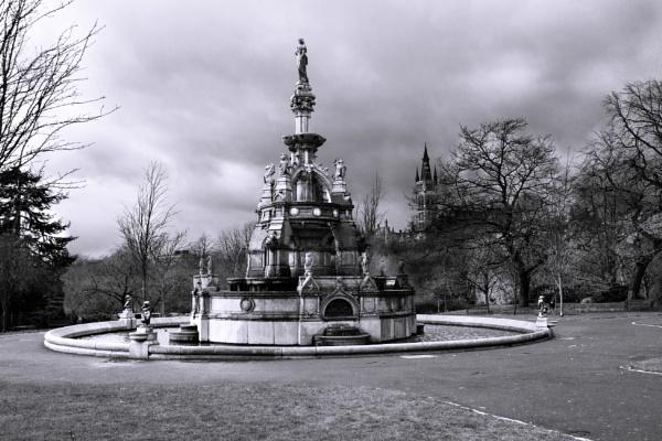 Kelvingrove Park Fountain by millaross