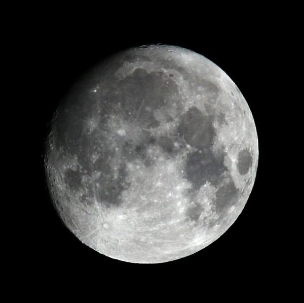 The Moon by oldgreyheron